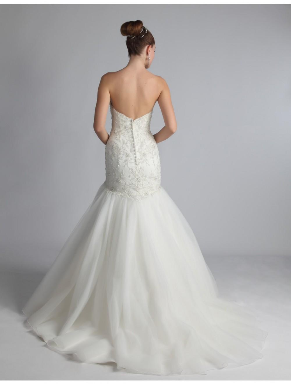 VE8185B1-venus-bridal-wedding-dress-Moscatel-Ottawa-store