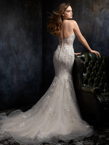 button down the back of a fitted wedding gown