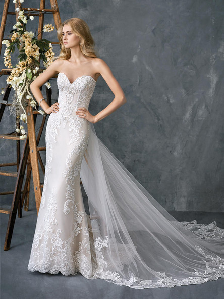 detachable skirt on a simple lace wedding dress