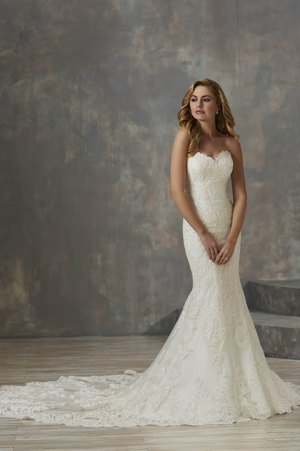 simple lace wedding dress no beading sweetheart neckline and long train